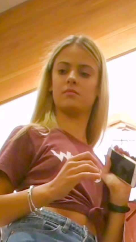 Teen girls upskirt
